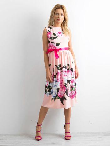 a9a2c22f17 Brzoskwiniowa sukienka All-night