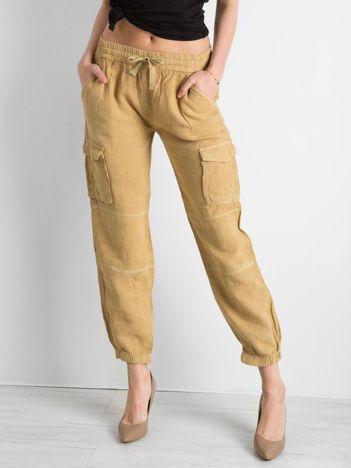 Ciemnobeżowe lniane spodnie cargo