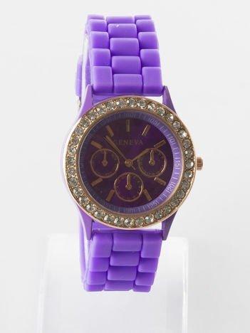 Ciemnofioletowy zegarek z silikonowym paskiem