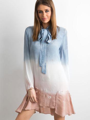 Ciemnoniebieska sukienka ombre
