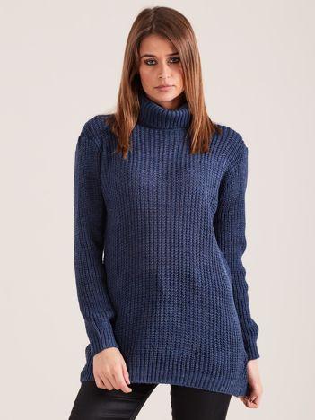 Ciemnoniebieski sweter golf