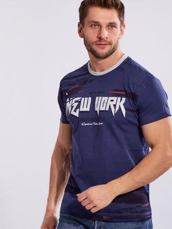 Ciemnoniebieski t-shirt dla mężczyzny z printem
