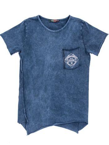 Ciemnoniebieski t-shirt dziecięcy z surowym wykończeniem i nadrukiem z tyłu