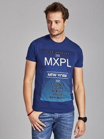 Ciemnoniebieski t-shirt męski z nadrukiem w miejskim stylu