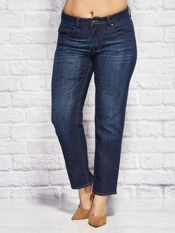 Ciemnoniebieskie spodnie jeansowe o kroju regular