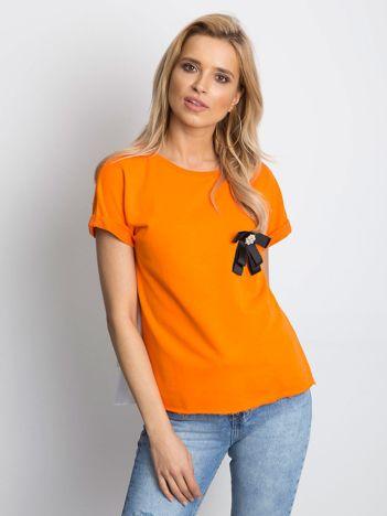 Ciemnopomarańczowa bluzka z przypinką i koszulowym tyłem