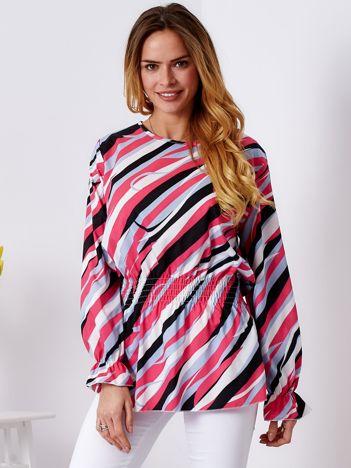 Ciemnoróżowa bluzka w kolorowe desenie