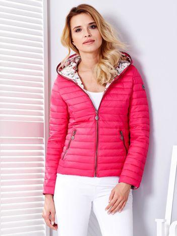 Ciemnoróżowa pikowana kurtka z kapturem