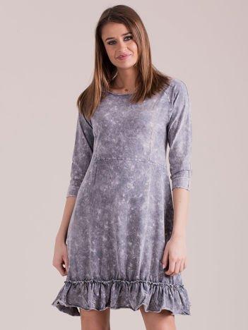 Ciemnoszara dekatyzowana sukienka z falbaną