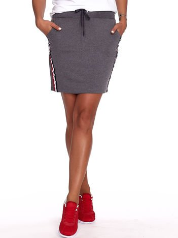 Ciemnoszara dresowa spódnica mini z kieszeniami i paskami