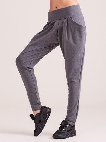 Ciemnoszare damskie spodnie dresowe pumpy