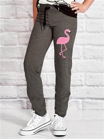 Ciemnoszare spodnie dresowe dla dziewczynki z flamingiem