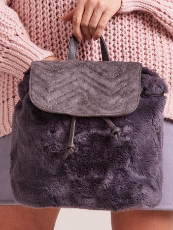 Ciemnoszary futrzany plecak