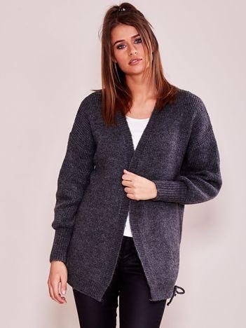 Ciemnoszary luźny sweter bez zapięcia