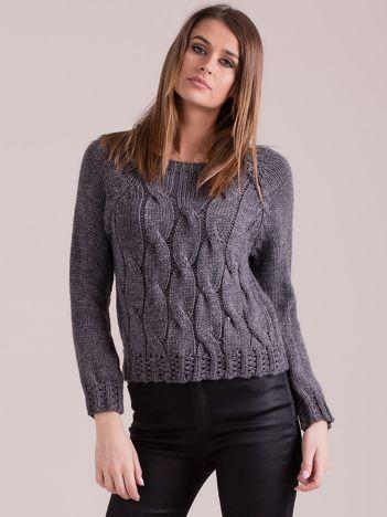 Ciemnoszary sweter w warkoczowe sploty