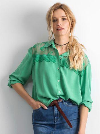 Ciemnozielona koszula z długim rękawem