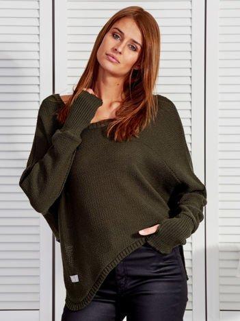 Ciemnozielony krótki asymetryczny sweter