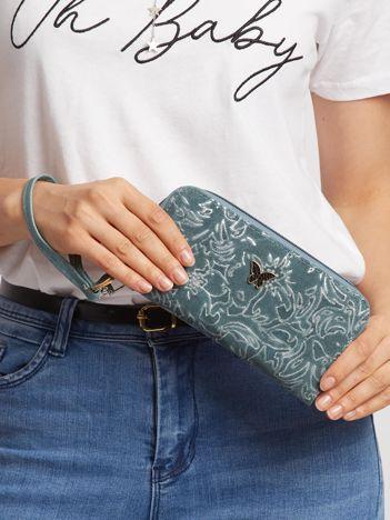 Ciemnozielony portfel z tłoczeniem