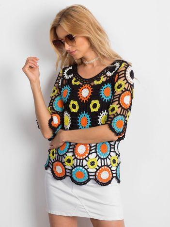 Czarna ażurowa bluzka w kolorowe wzory