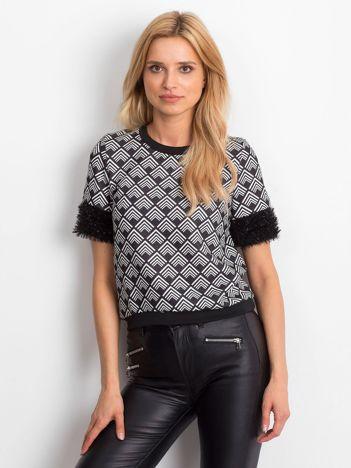 Czarna bluza w geometryczne wzory