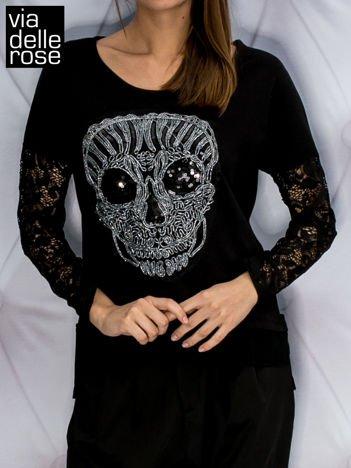 Czarna bluza z biżuteryjną czaszką