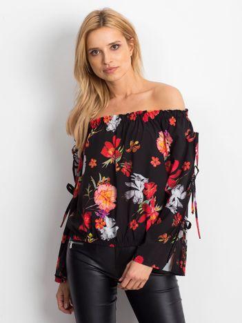 Czarna bluzka hiszpanka w kolorowe kwiaty