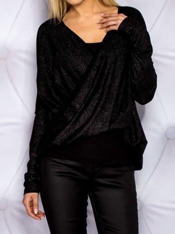 Czarna bluzka z błyszczącą nitką
