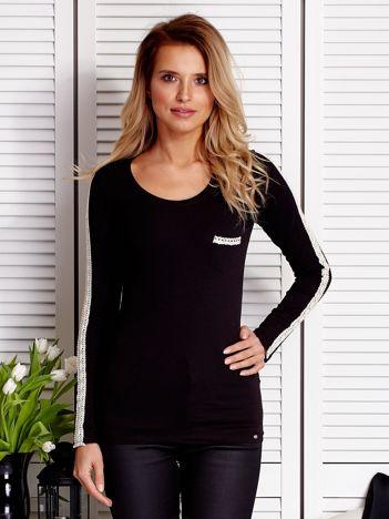 Czarna bluzka z koronkową taśmą