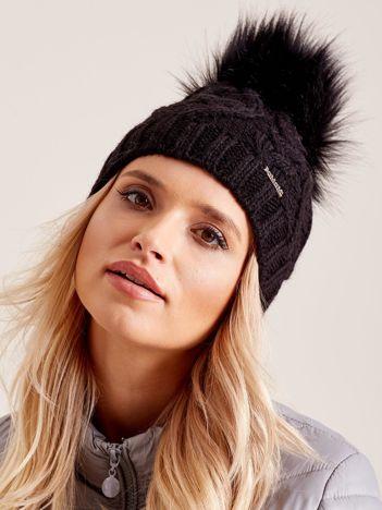 Czarna czapka zimowa damska