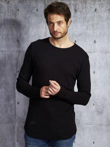 Czarna dłuższa bluzka męska