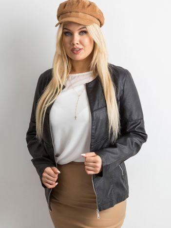 Czarna kurtka plus size z ekoskóry