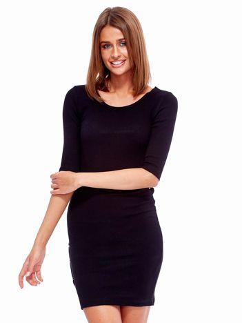 Czarna prążkowana sukienka z kółeczkami
