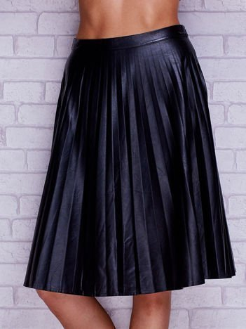 Czarna skórzana plisowana spódnica midi