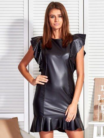 Czarna skórzana sukienka z perełkami