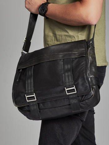 Czarna skórzana torba męska na ramię
