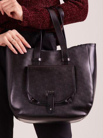 Czarna skórzana torba z odpinanym paskiem