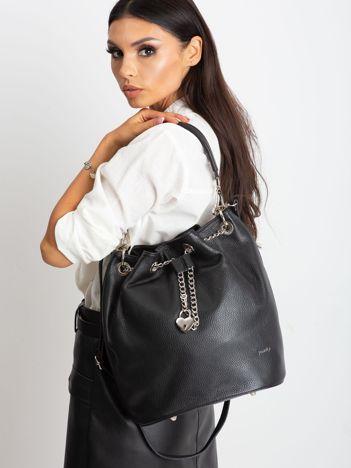 Czarna skórzana torba ze ściągaczem