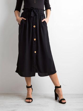 Czarna spódnica midi z wiązaniem