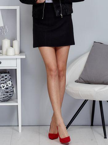 Czarna spódnica trapezowa z suwakiem