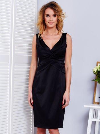Czarna sukienka V-neck