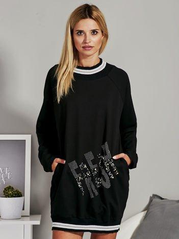 Czarna sukienka dresowa z aplikacją z dżetów