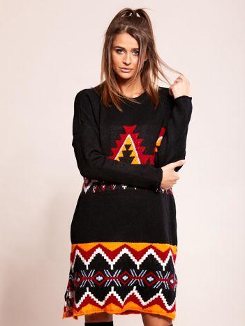 Czarna sukienka dzianinowa w etniczne wzory