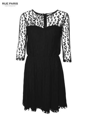 Czarna sukienka pokryta panterkową siateczką