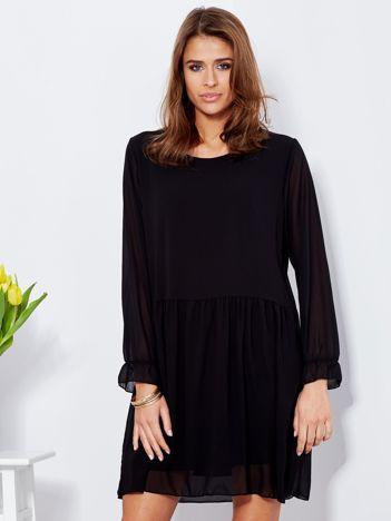 Czarna sukienka szyfonowa oversize z długim rękawem