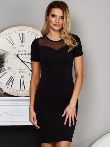 Czarna sukienka z siatkowym dekoltem