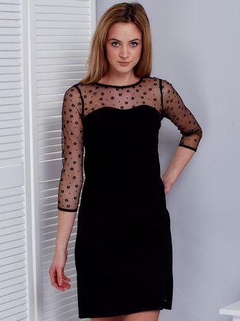 Czarna sukienka z transparentnymi rękawami