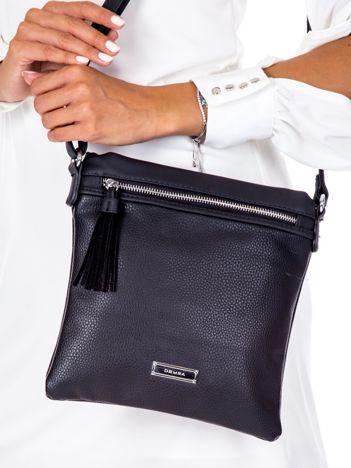 Czarna torba listonoszka z chwostem