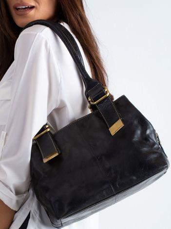 2f9e6c57381ca Czarna torba z ekoskóry na ramię