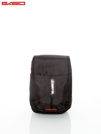 Czarna torba z regulowanym paskiem