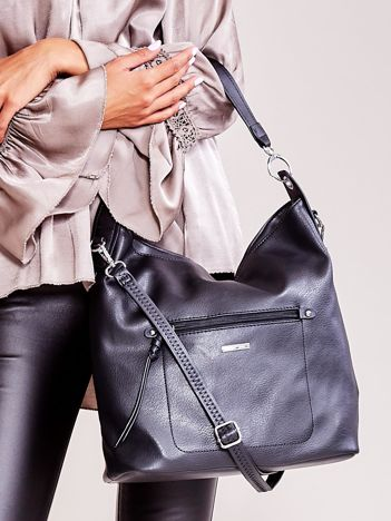 Czarna torebka typu city z odpinanym paskiem